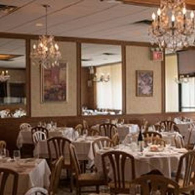Italian Foods Near Me: Salvi Restaurant - Brooklyn, NY