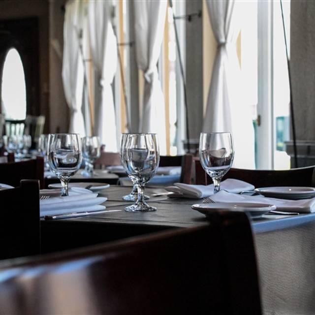 American English Kitchen and Bar, Hollywood, FL