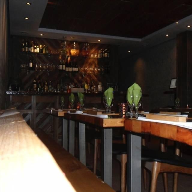 KOKO! Share Bar, Toronto, ON