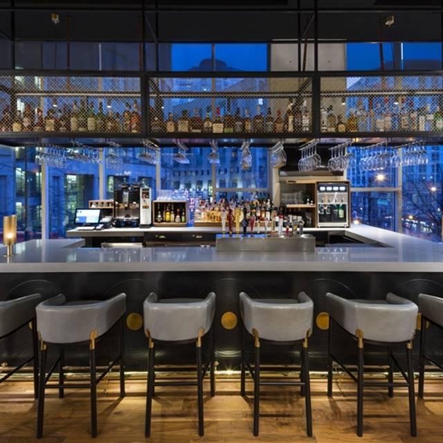 Hendricks Resto-Lounge, Vancouver, BC