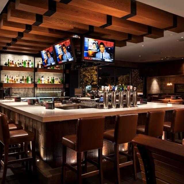 Lounge/Bar Area - Earls Kitchen + Bar - London, London, ON