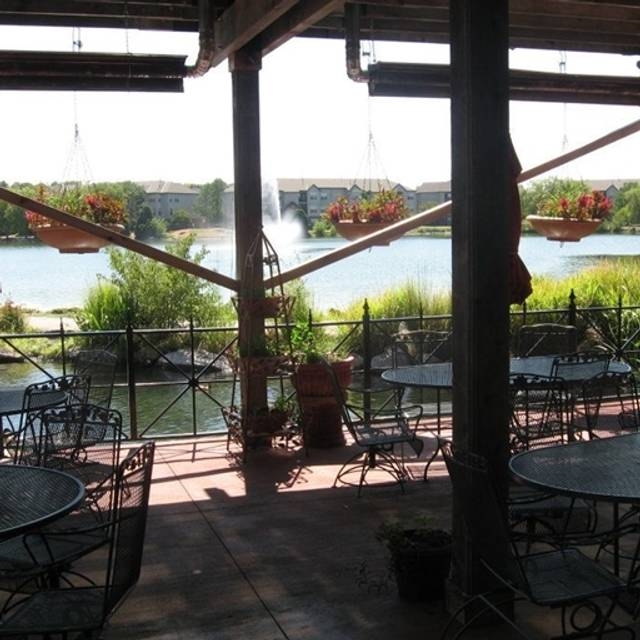 Outdoor Patio Furniture Omaha Ne: Charlie's On The Lake Restaurant - Omaha, NE
