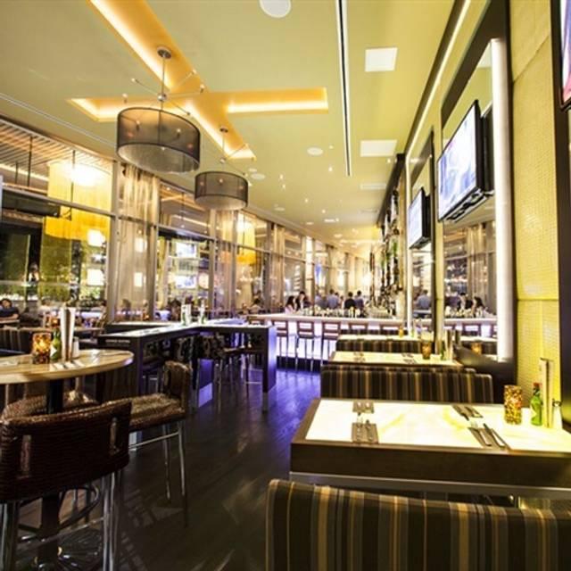 Rogue Kitchen & Wetbar Convention Center Restaurant