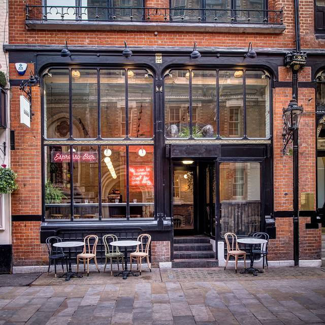 Covent garden grind restaurant london opentable for Cafe de jardin in covent garden
