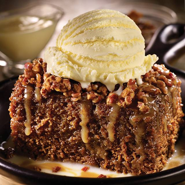 Tennessee Whiskey Cake - TGI FRIDAYS - Pittsburgh Airport, Pittsburgh, PA