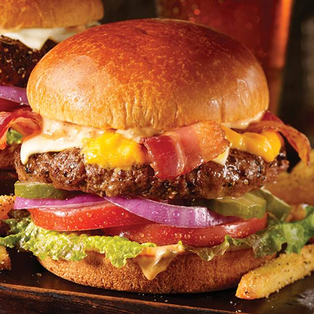 Bacon Cheeseburger - TGI FRIDAYS - Pittsburgh Consol Energy Center, Pittsburgh, PA