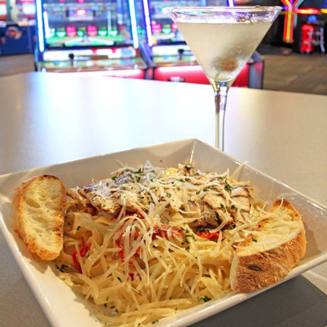Blackened-chicken-pasta-with-martini - GameTime - Ft Myers, Fort Myers, FL
