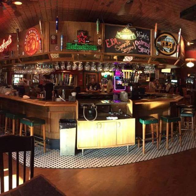 Fabulous Fern's - Fabulous Fern's Bar & Grill, Saint Paul, MN