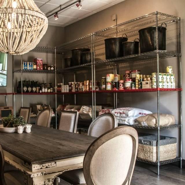 Chef Room - Cafe Rule & Wine Bar, Hickory, NC