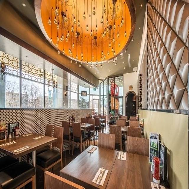 Paramount middle eastern cuisine shops at don mills for Anoush middle eastern cuisine north york
