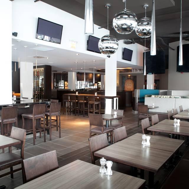 Rotisserie st hubert amherst restaurant montr al qc for Menu st hubert salle a manger