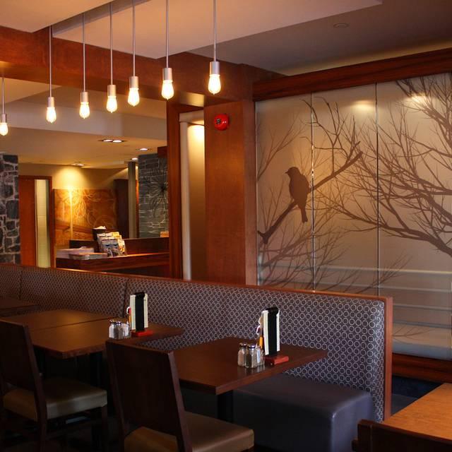 Rotisserie St-Hubert - Grande-Allee, Québec, QC
