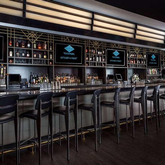 Carbon arc bar board restaurant chicago il opentable for 0pen table chicago