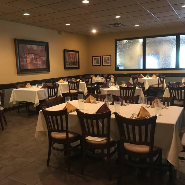 Dining Room 5 - Padrino's Bistro, Hamilton, NJ