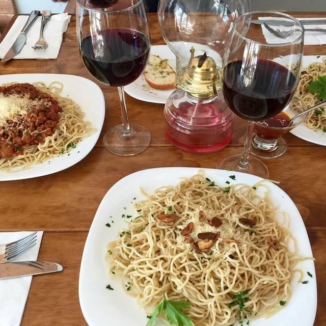 Pasta & Vino - Lasagna Factory, Morelia, MIC