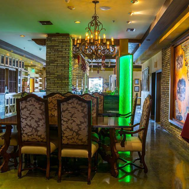 Italian Family Style Dining Room For 12 Guests Casa Calabria Fort Lauderdale