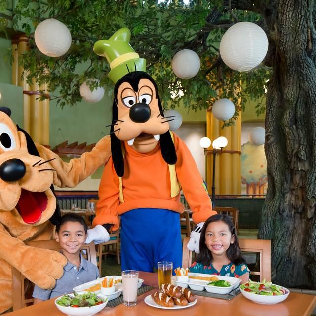 Garden Grove Character Dining - Garden Grove at Walt Disney World Swan and Dolphin, Orlando, FL