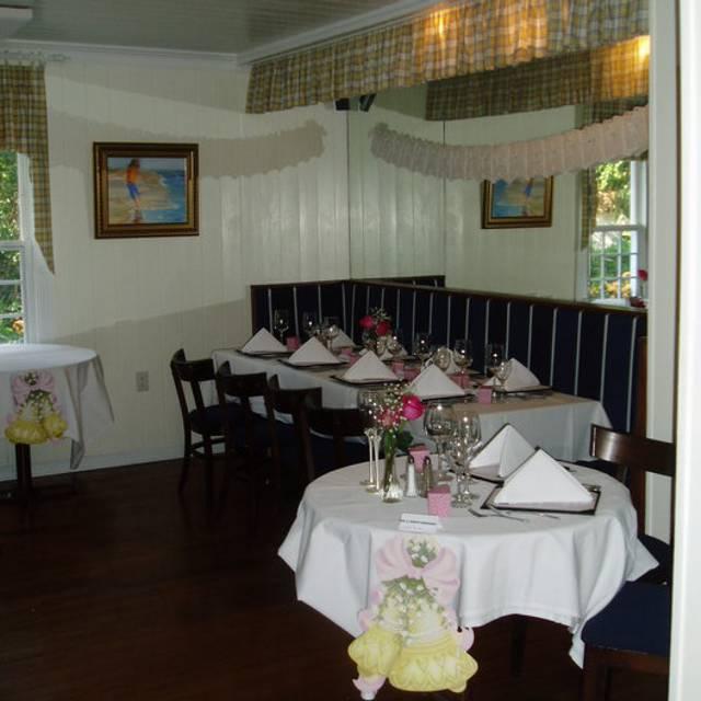 Pelican Cafe - Lake Park, Lake Park, FL
