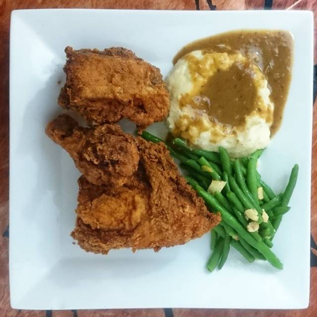 Saturday Night Fried Chicken Special - Satchmo's Bar & Grill, Chesterfield, MO