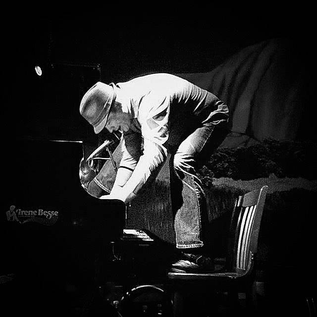 Aussie Rules Piano Bar, Calgary, AB