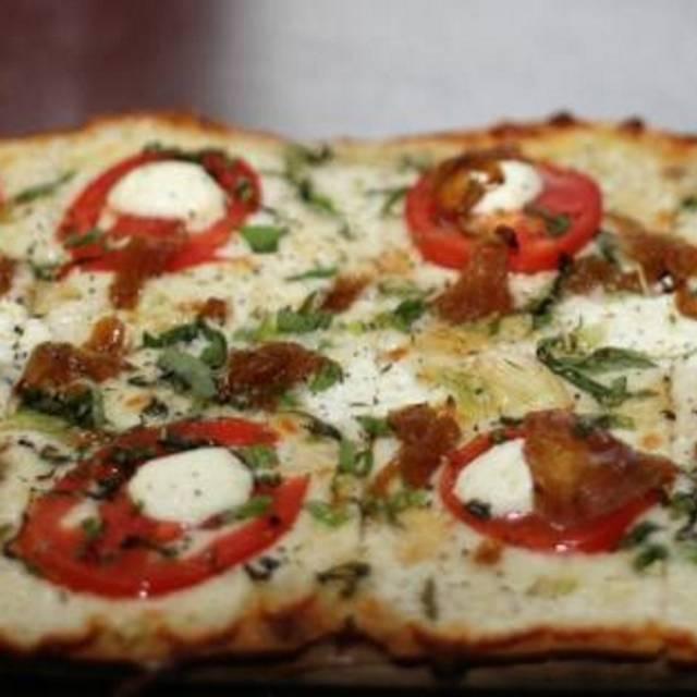 Vine Ripe Tomato Flatbread - Greenstreet Cafe, Coconut Grove, FL