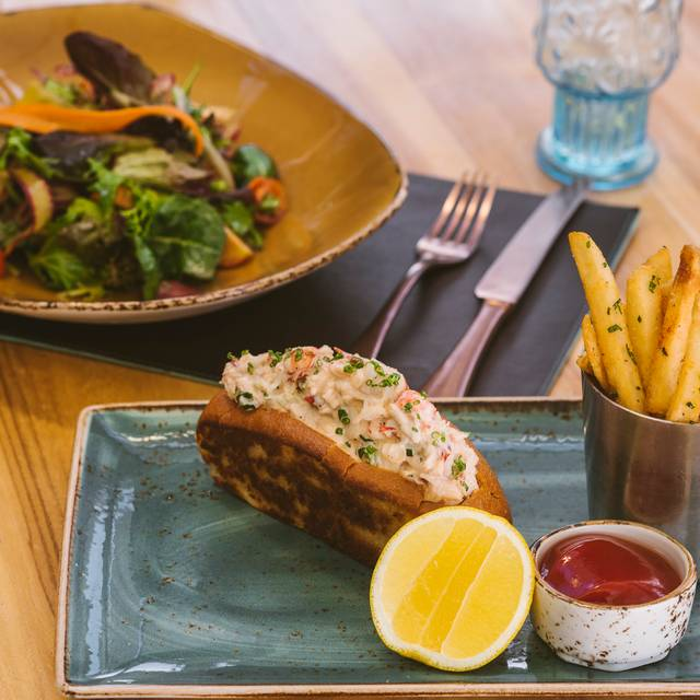 Lunch Box Compilation Of Mixed Greens And Lobster Roll - Herringbone – ARIA – Las Vegas, Las Vegas, NV