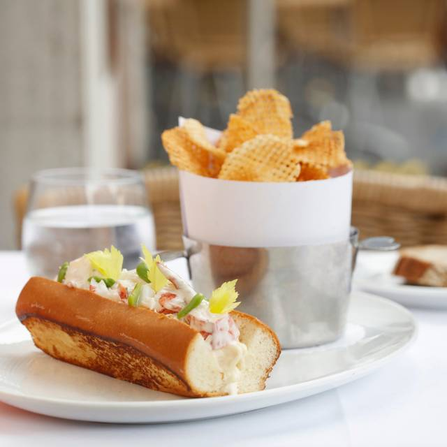 Bbny Lobsterroll Melissa Hom - Bar Boulud, New York, NY