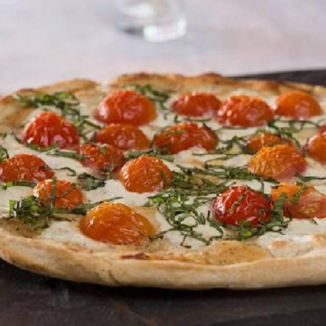 White pizza - CRaVing, Buffalo, NY