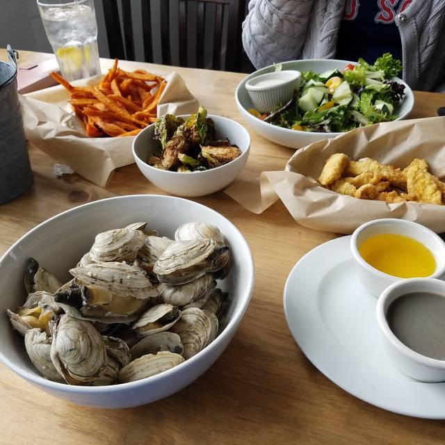 Robert's Maine Grill, Kittery, ME
