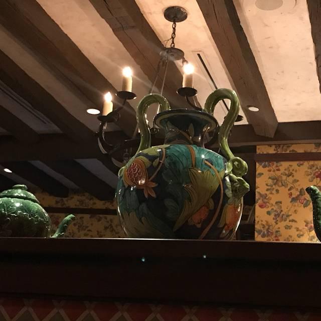 Mama Della's Ristorante at Loews Portofino Bay Hotel, Orlando, FL