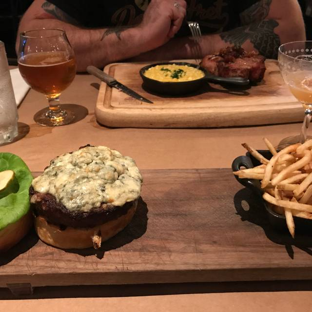 The Ravenous Pig: An American Gastropub, Winter Park, FL
