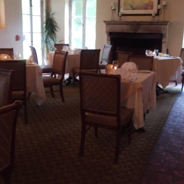 Courtyard at Crane - Jekyll Island Club Hotel, Jekyll Island, GA
