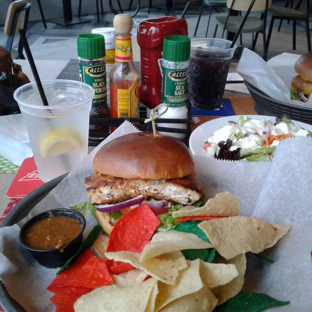 WTR Pool & Grill, Tampa, FL