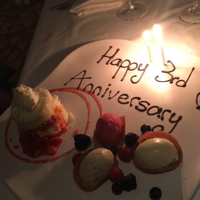 Tiara Restaurant - Queen's Landing Hotel, Niagara-on-the-Lake, ON