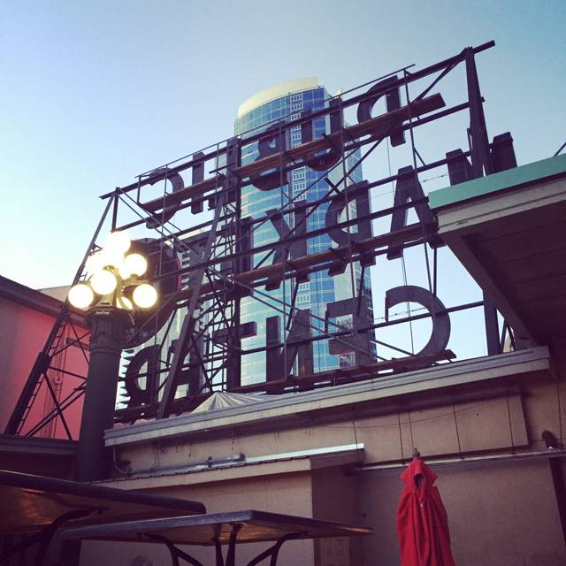 Place Pigalle, Seattle, WA