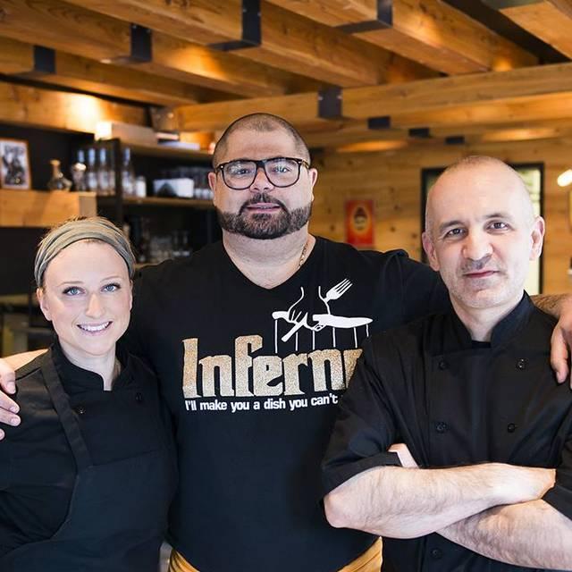 L'équipe - The Team - Restaurant Inferno, Montréal, QC