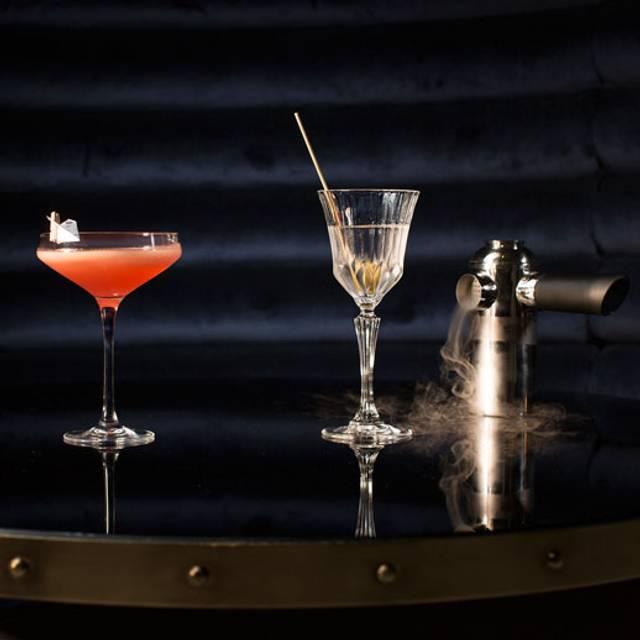 Cocktails - Bistro le SAM - Fairmont Château Frontenac, Québec, QC