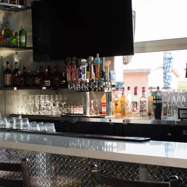 What's Crackin Cafe, Mesa, AZ