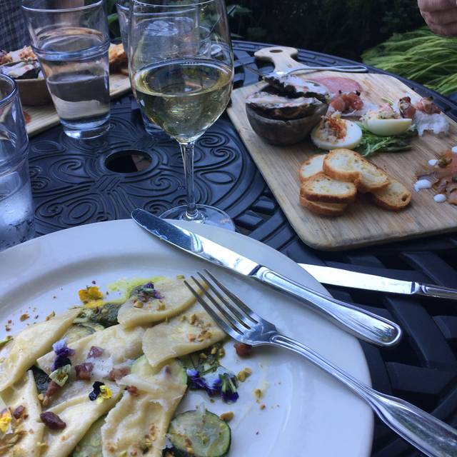 Meriwether's Restaurant & Skyline Farm, Portland, OR