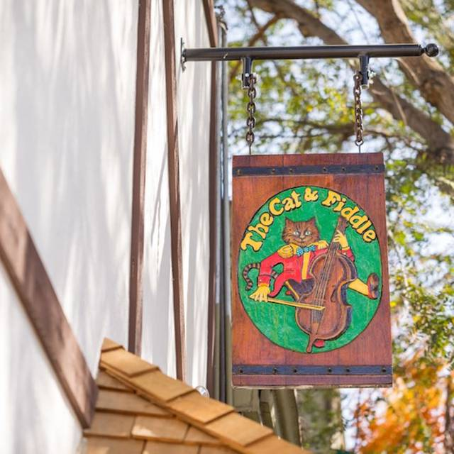 The Cat and Fiddle Restaurant & Pub, Los Angeles, CA