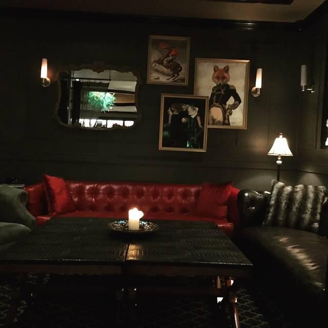 Le Malt Lounge, Colonia, NJ