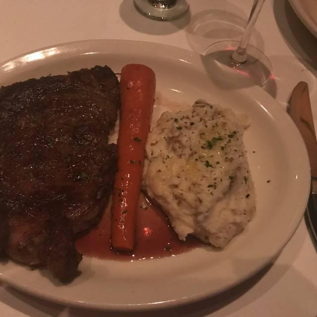Bob's Steak & Chop House - Dallas on Lamar, Dallas, TX
