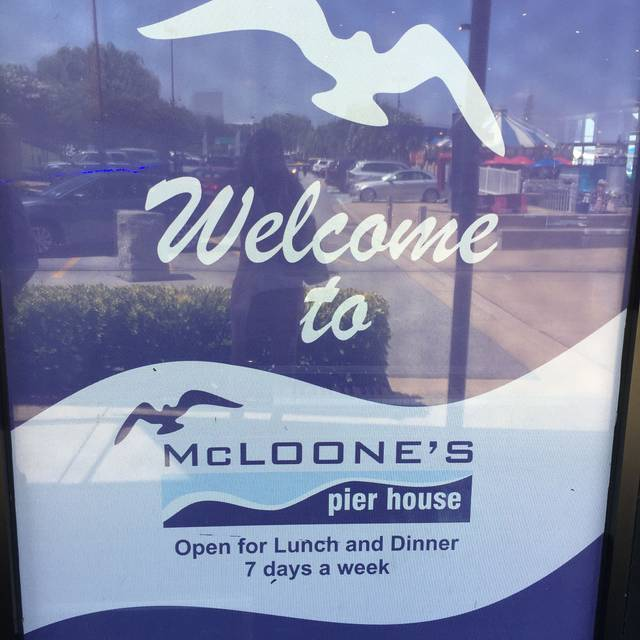 McLoone's Pier House - National Harbor, National Harbor, MD