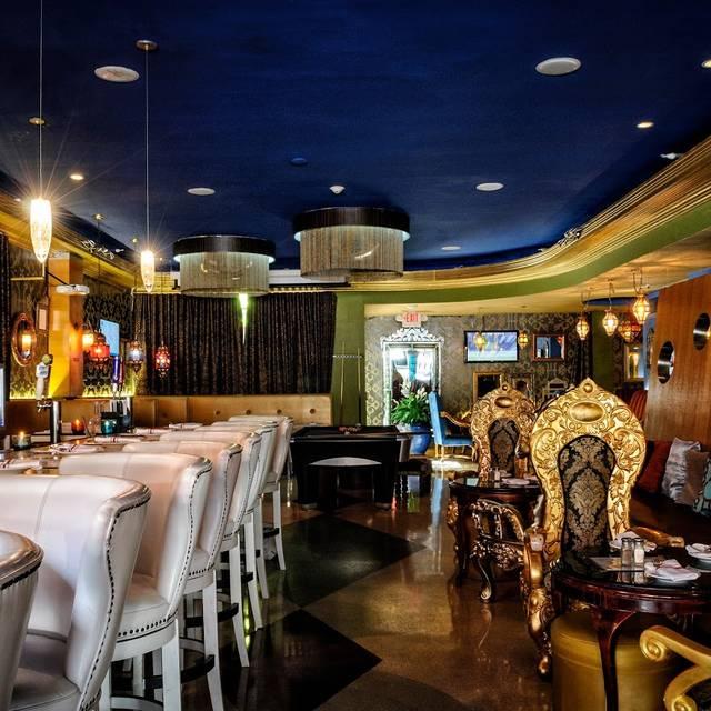 Maxine Restaurant Miami Beach