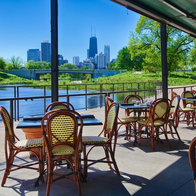 The Patio At Cafe Brauer Lincoln Park