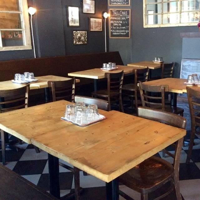 El Pocho Antojitos Bar, Toronto, ON