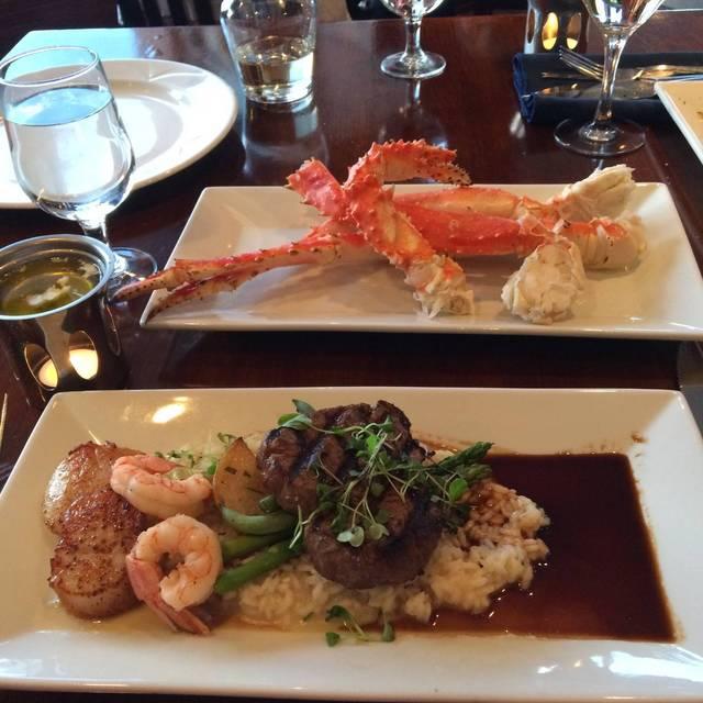 Blue Crab Seafood House - Coast Victoria Hotel & Marina by APA, Victoria, BC