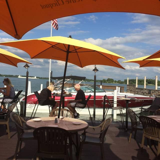 The Waterfront Restaurant Lounge Wyandotte Mi