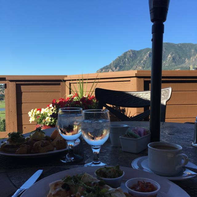 Mountain View Restaurant at Cheyenne Mountain Resort, Colorado Springs, CO