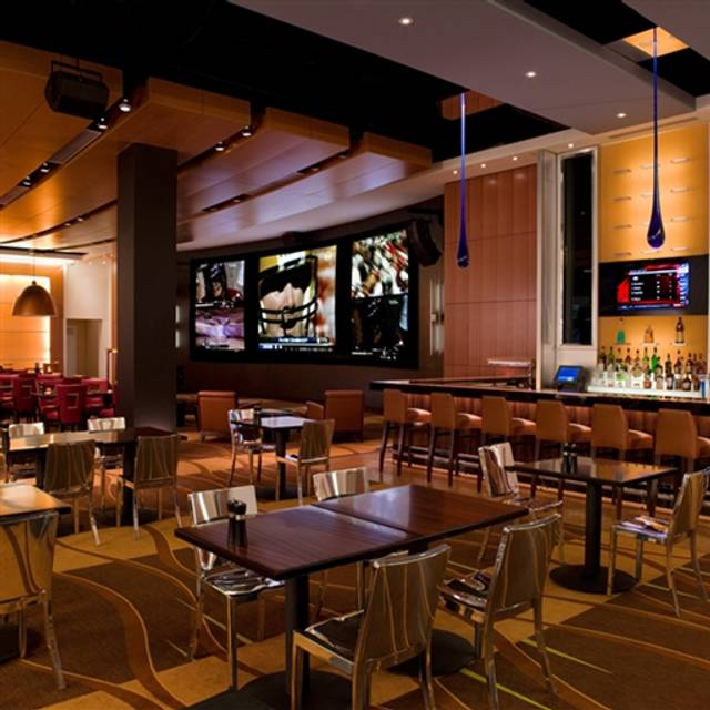 National Pastime Sports Bar & Grill - Gaylord National, National Harbor, MD